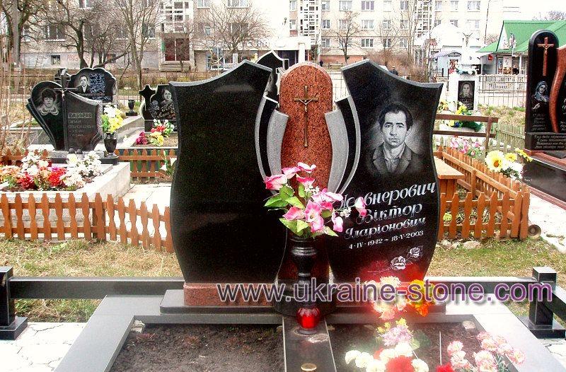 памятник двойной на могилу фото