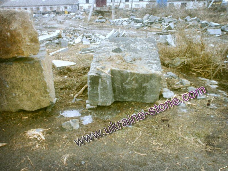 Склад камня подизводителя памятников